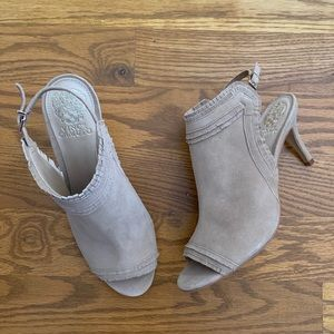 NWOB Vince Camuto 'Frenda' Suede Sandal Size 8.5